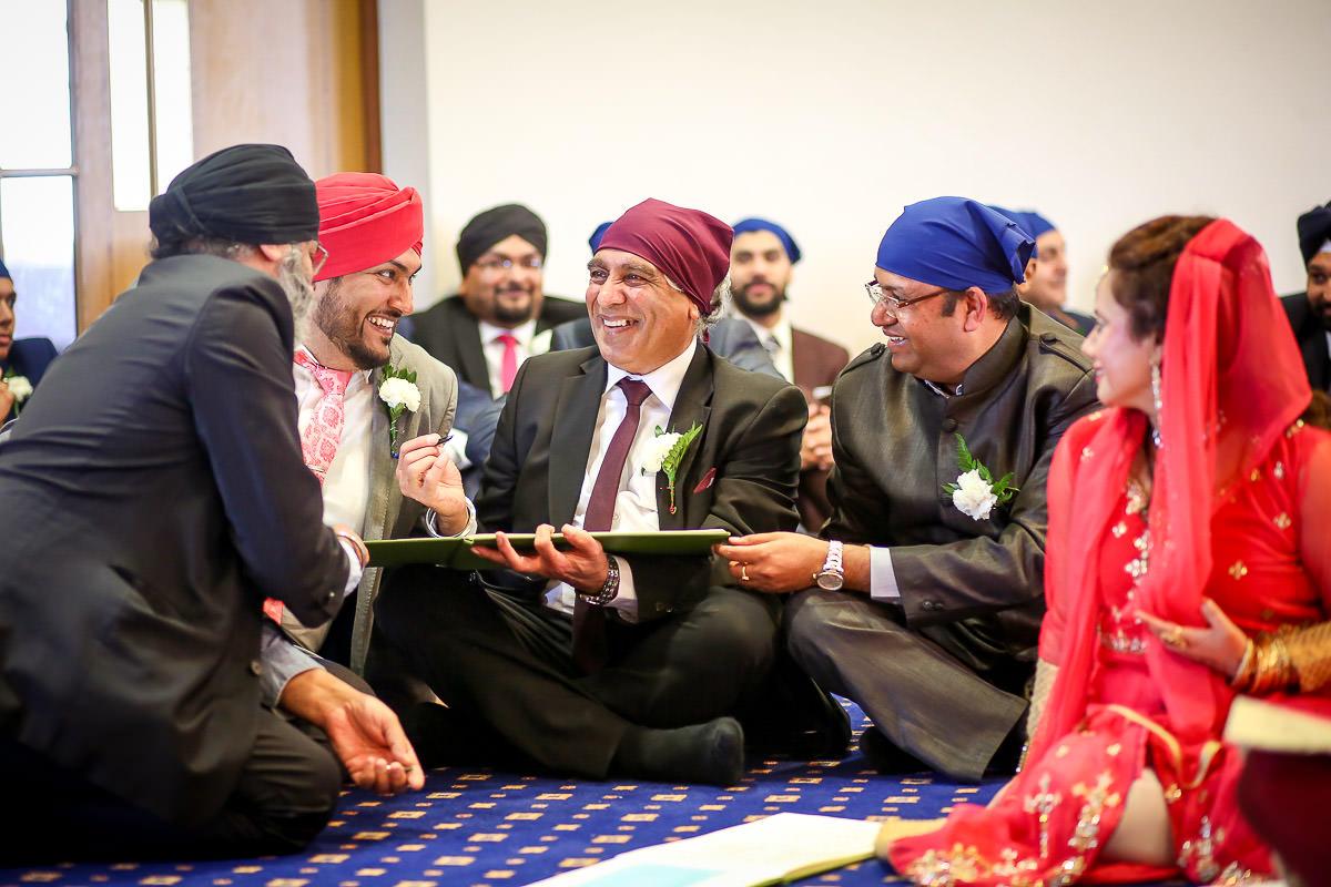 sikh wedding ceremony at birmingham gurdwara
