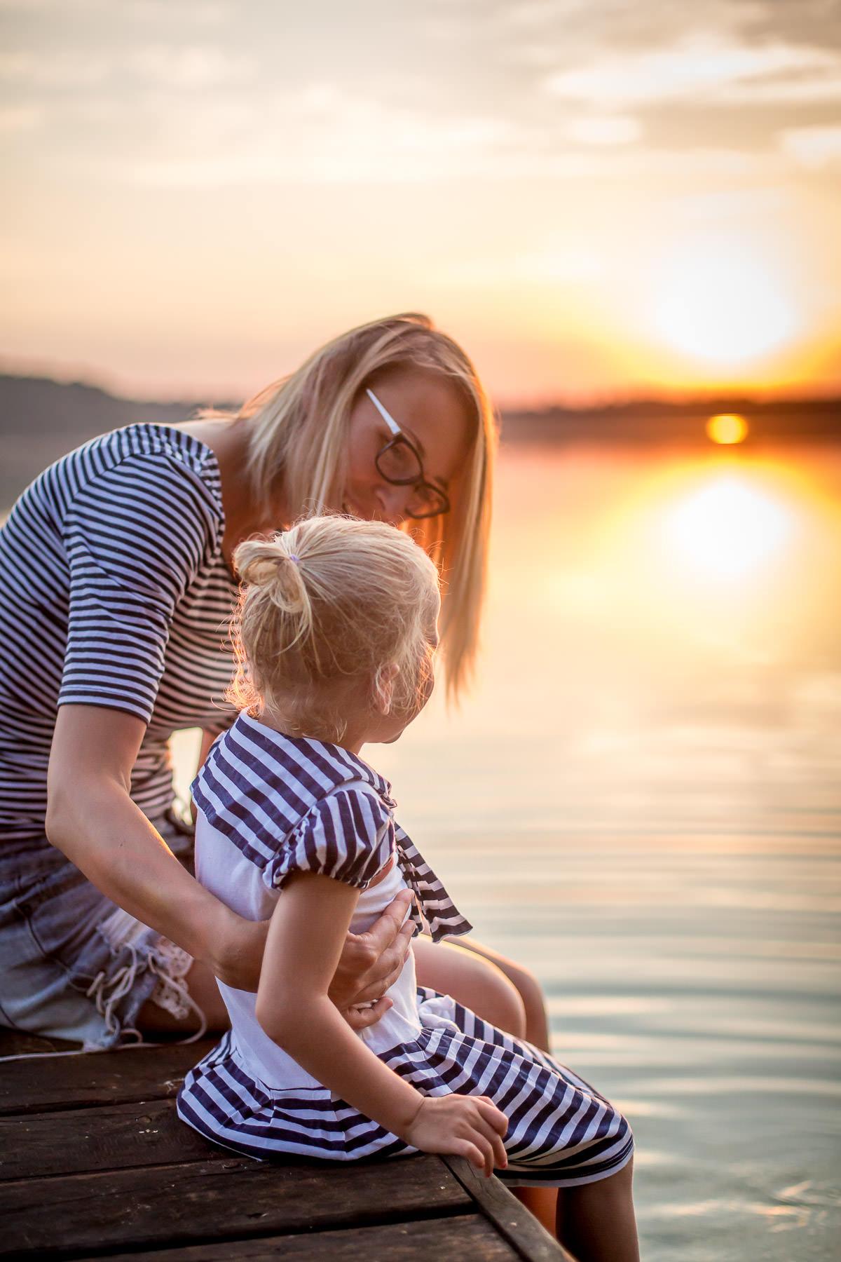 Lake side family photography