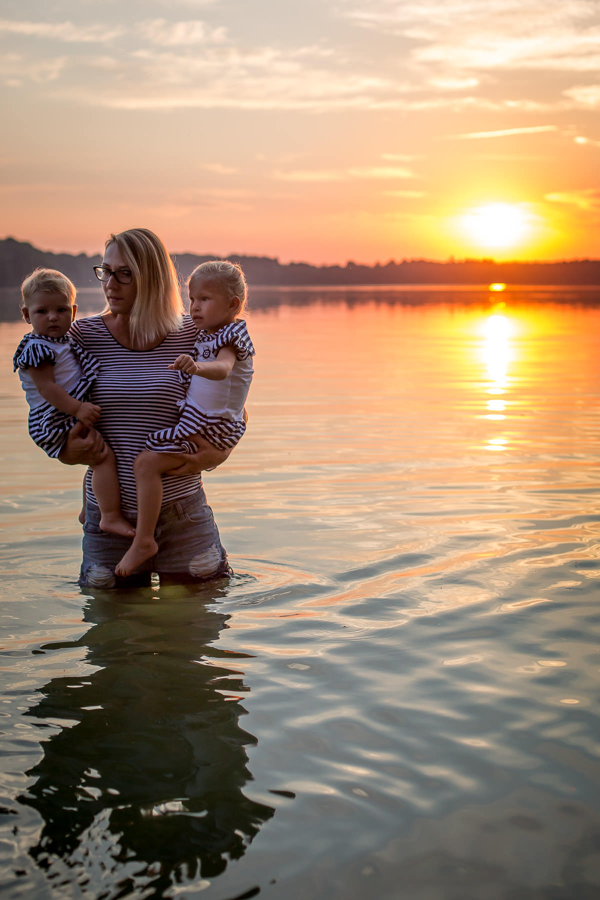 Lake side family photography