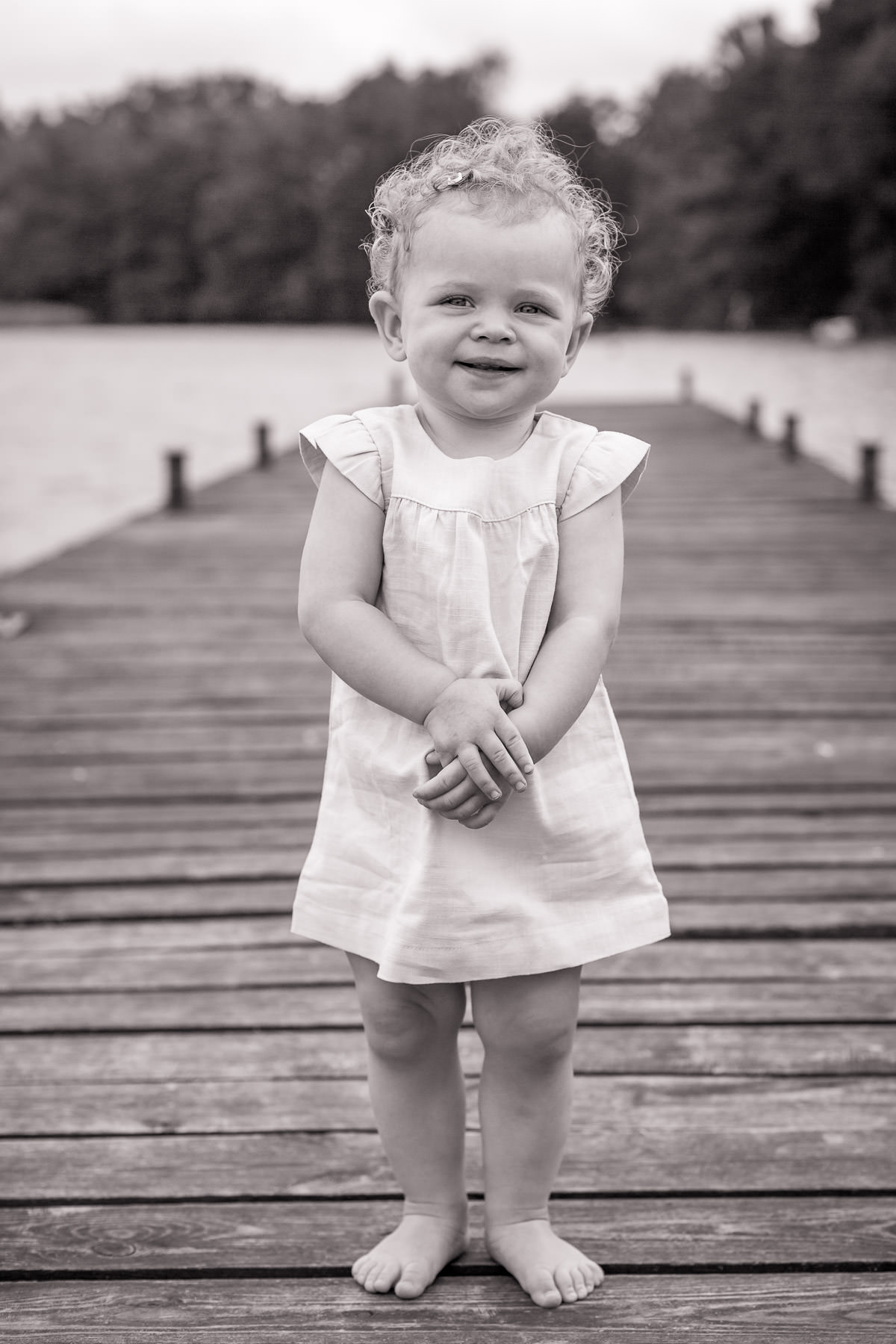Lifestyle family shoot at the lake