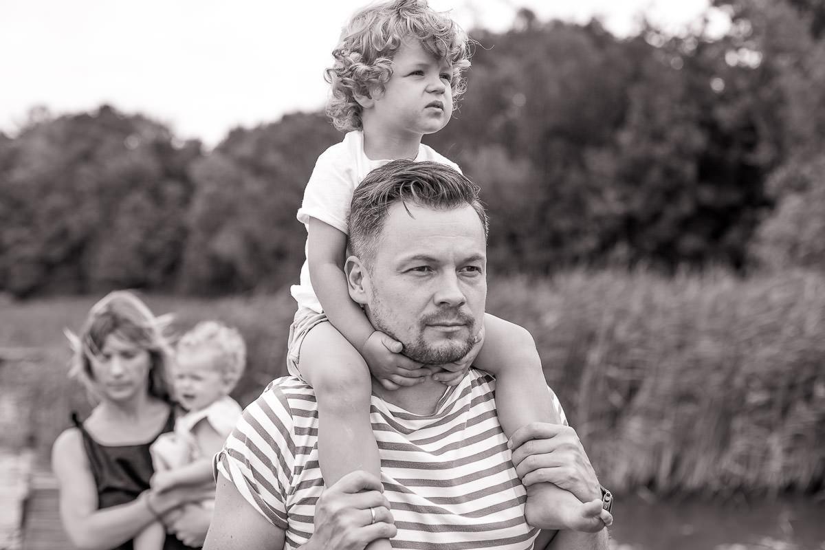 Lifestyle family shoot at the lake