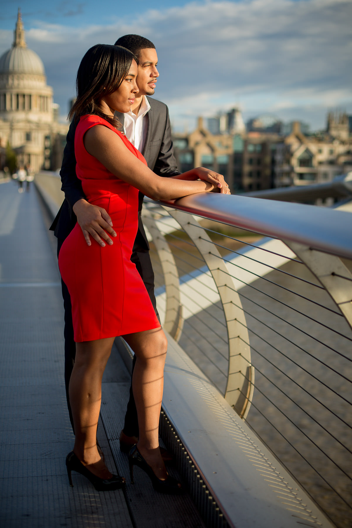 Millennium bridge pre wedding shoot