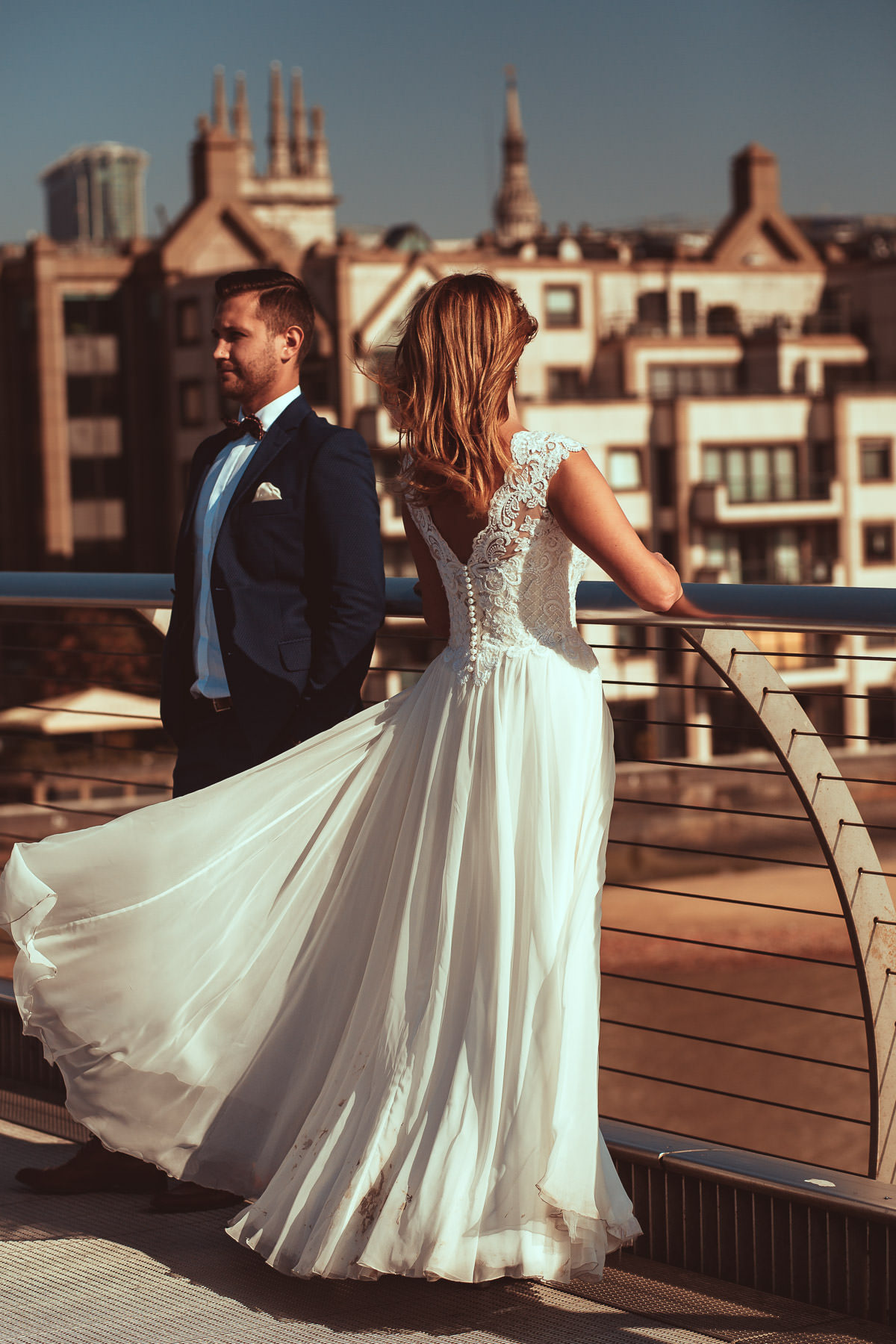 millennium bridge post wedding shoot
