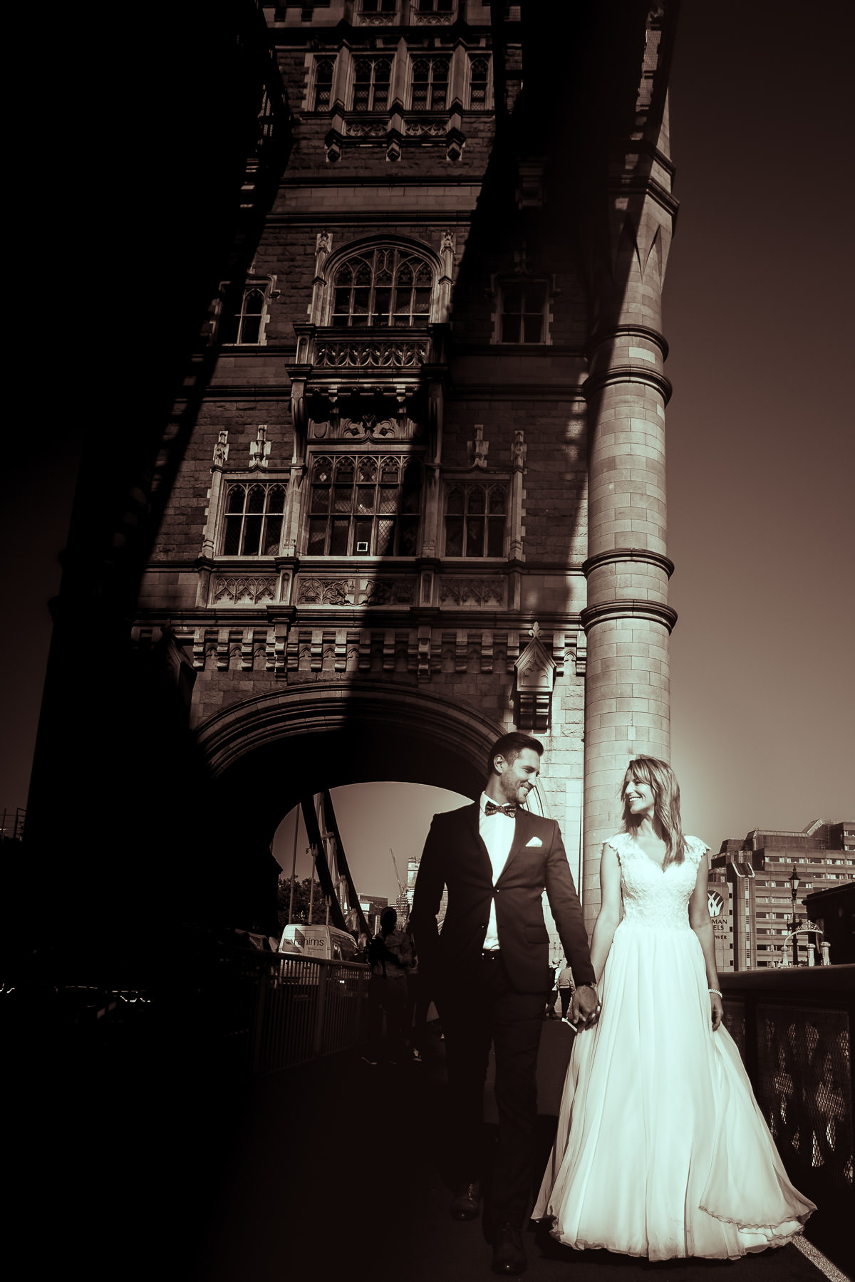 tower bridge wedding shoot