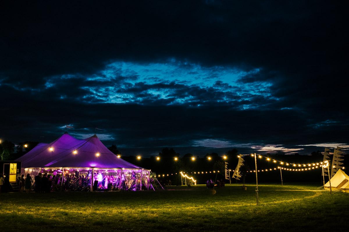 surrey tipi garden wedding
