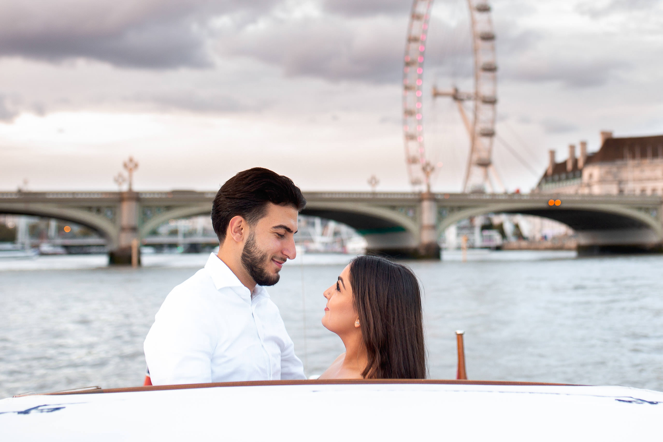 Luxury River Thames Trip Proposal London
